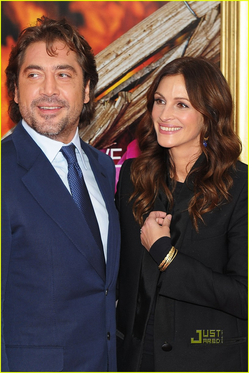 julia roberts javier bardem eat pray love premiere 02