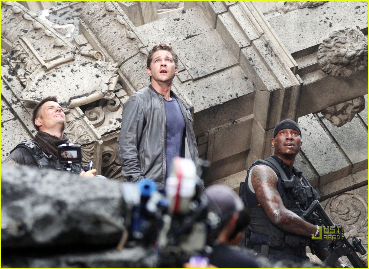 shia labeouf transformers 3 funny face action sequences 042470864