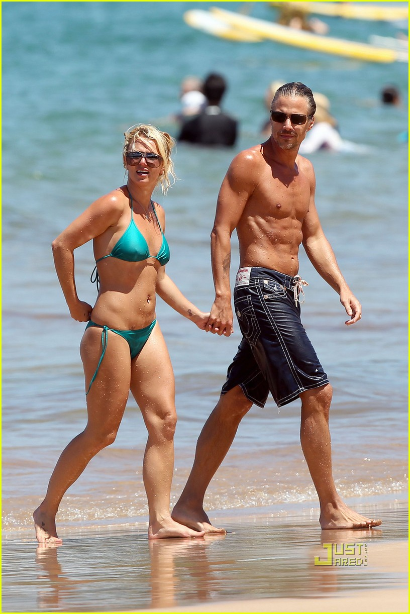 britney spears bright green bikini maui jason trawick kiss 062475416