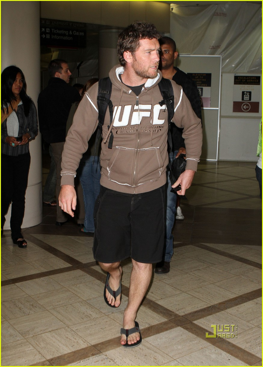 sam worthington lax airport ufc sweatshirt 062473484