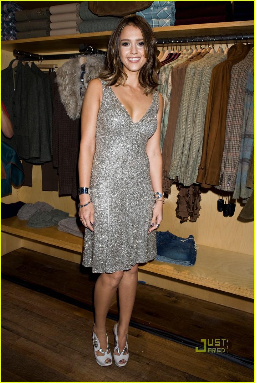 jessica alba fashions night out 02