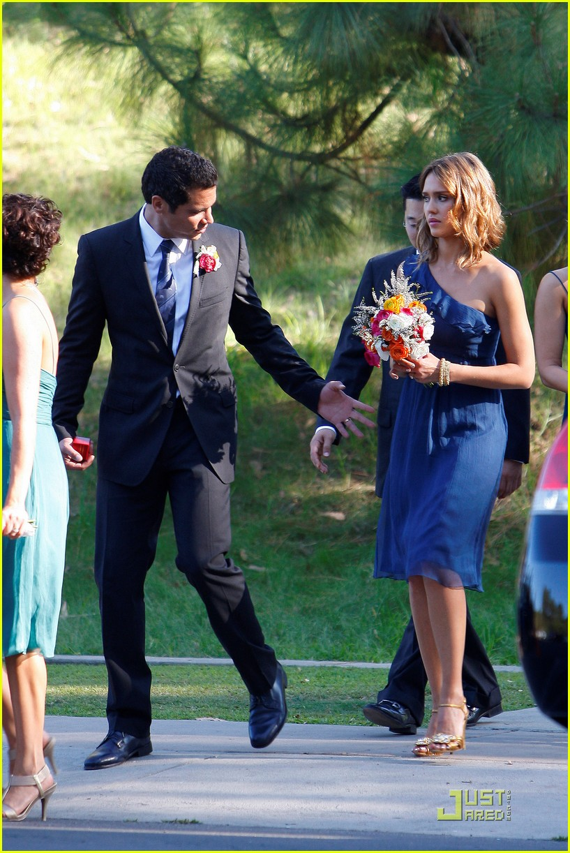 jessica alba bridesmaid in beverly hills photo 2481142