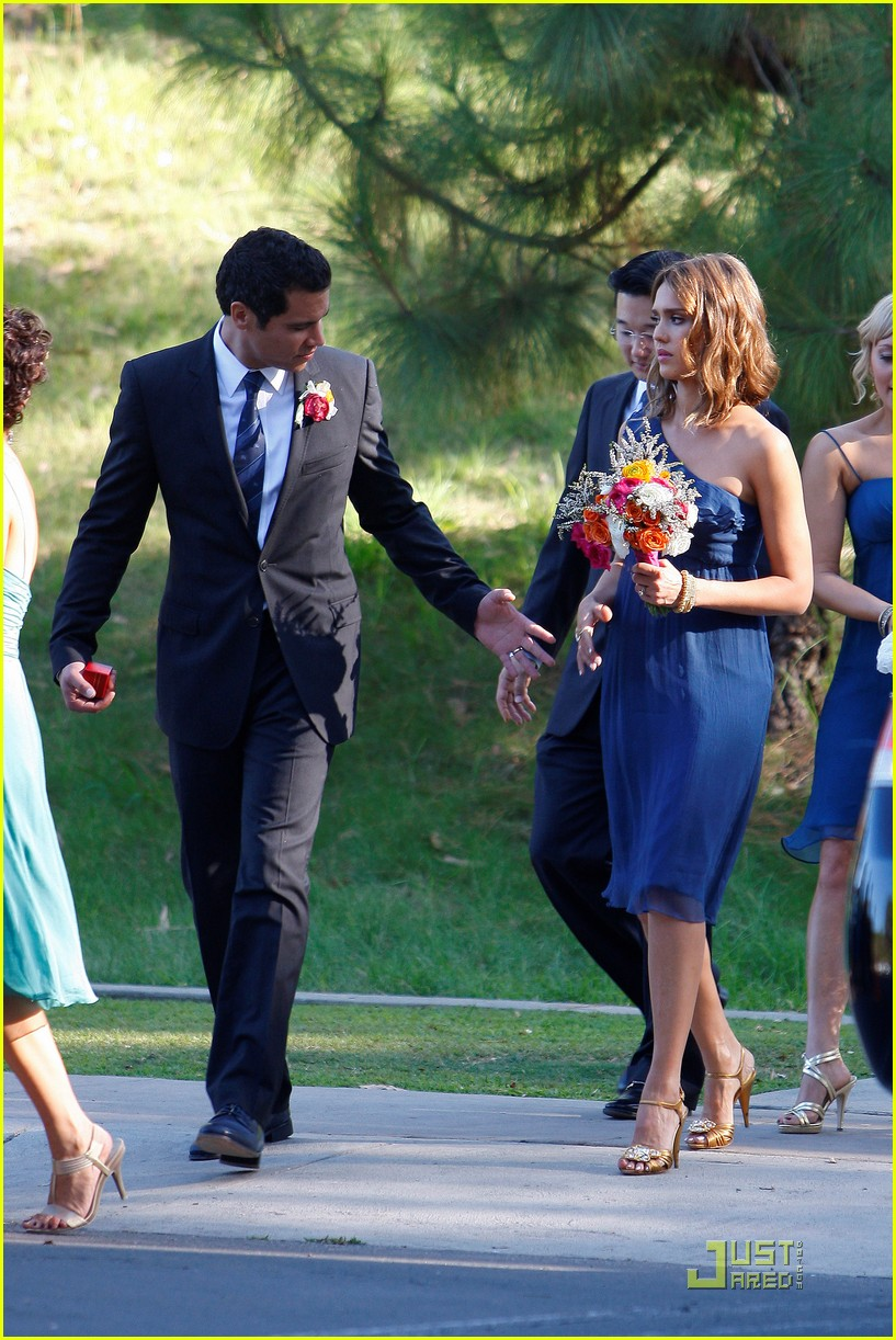 jessica alba bridesmaid in beverly hills photo 2481145