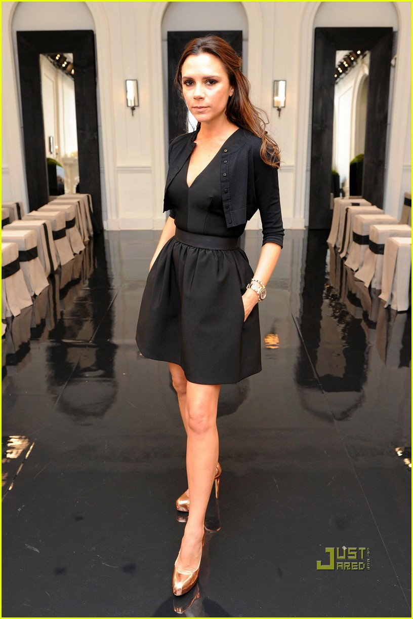 full sized photo of victoria beckham ny fashion week 02 photo 2479389 just jared. Black Bedroom Furniture Sets. Home Design Ideas
