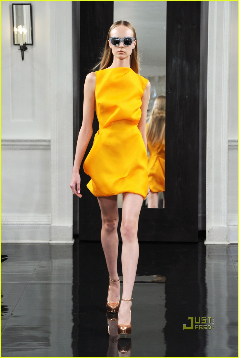 victoria beckham ny fashion week 052479392