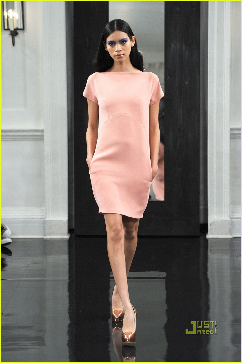 victoria beckham ny fashion week 142479401