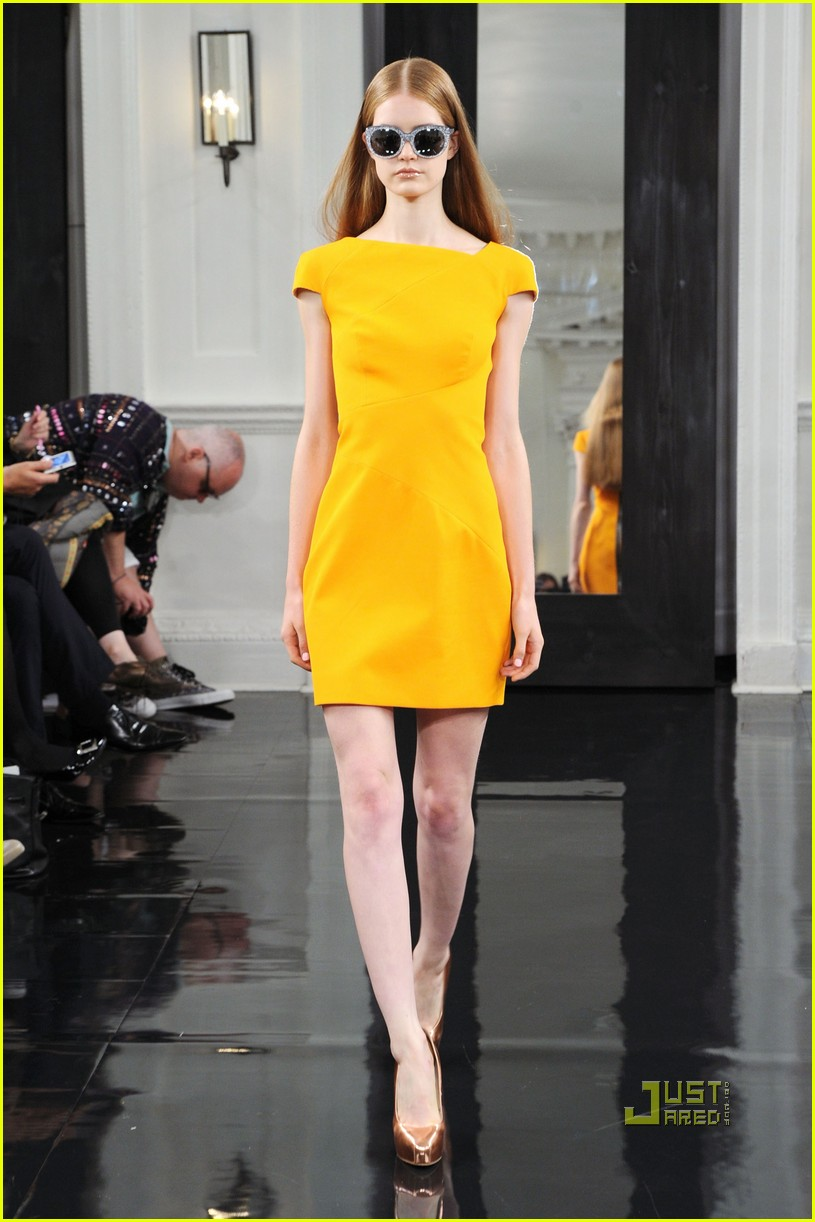 victoria beckham ny fashion week 17