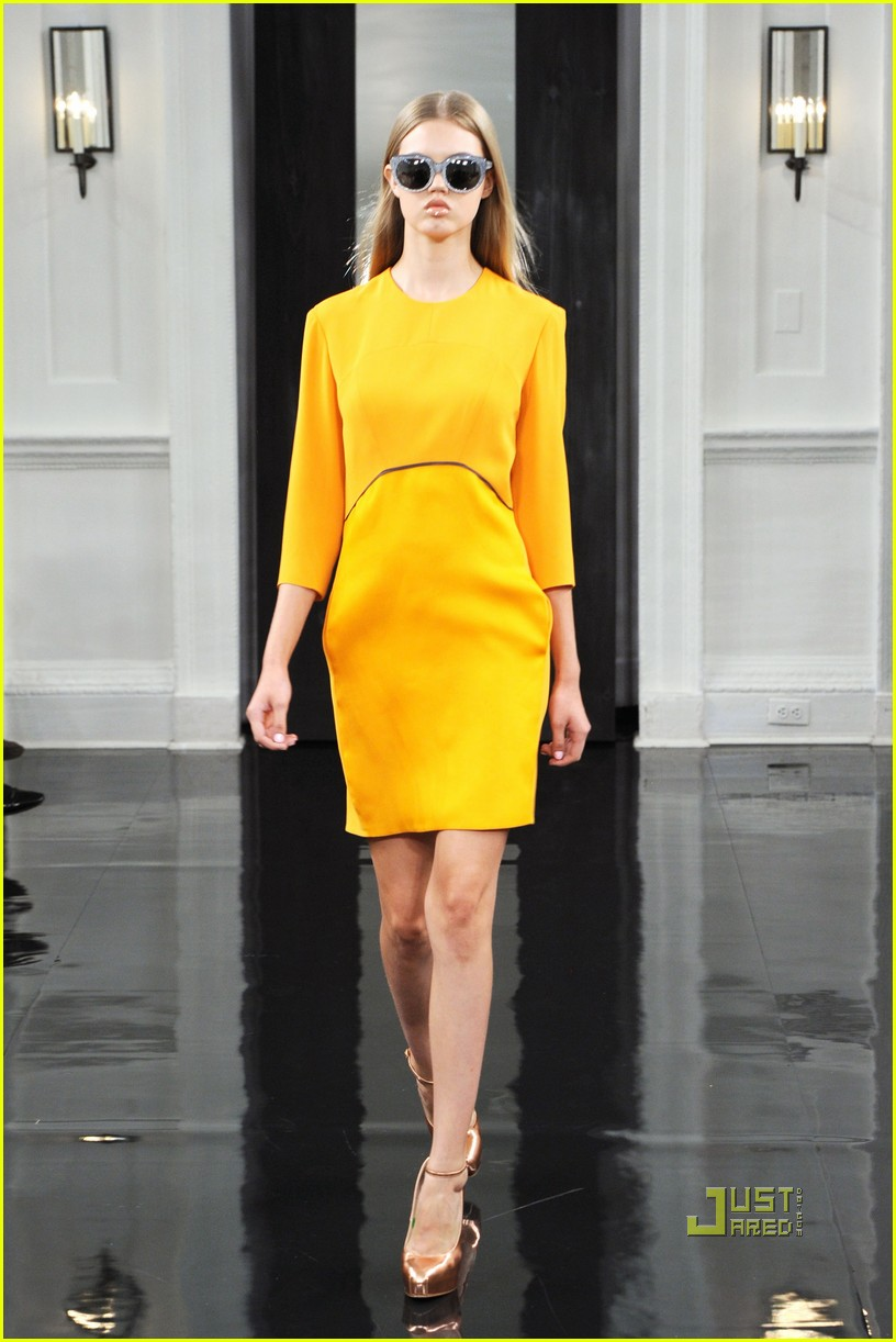 victoria beckham ny fashion week 212479408