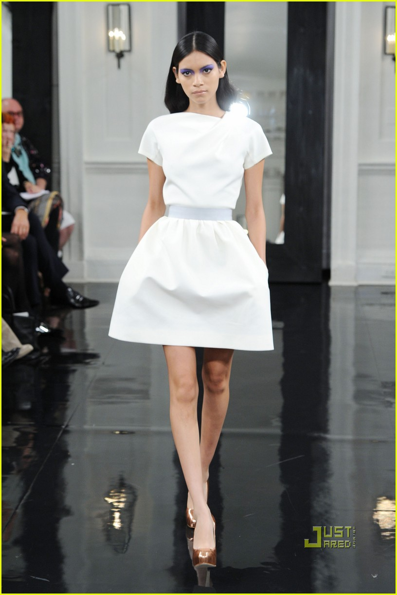 victoria beckham ny fashion week 242479411