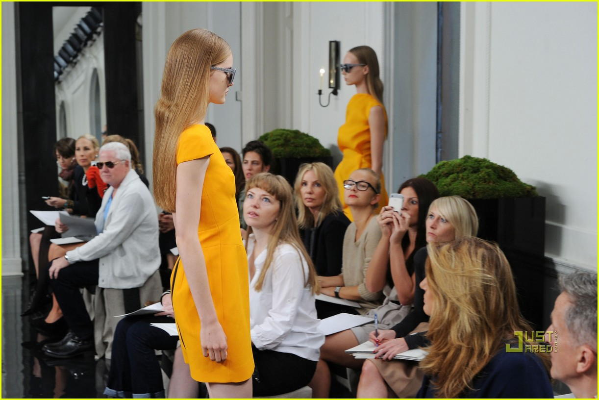 victoria beckham ny fashion week 382479425