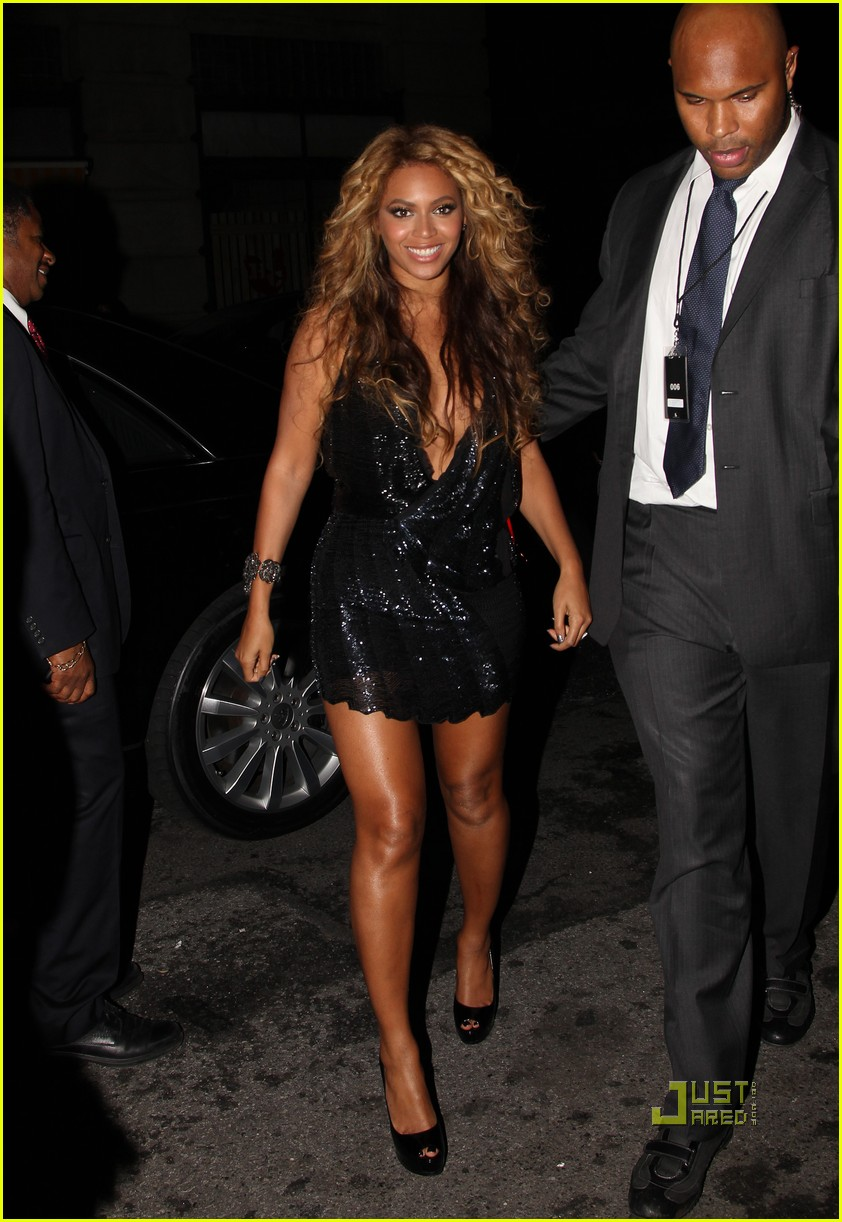beyonce jay z forever young yankees stadium 062480300