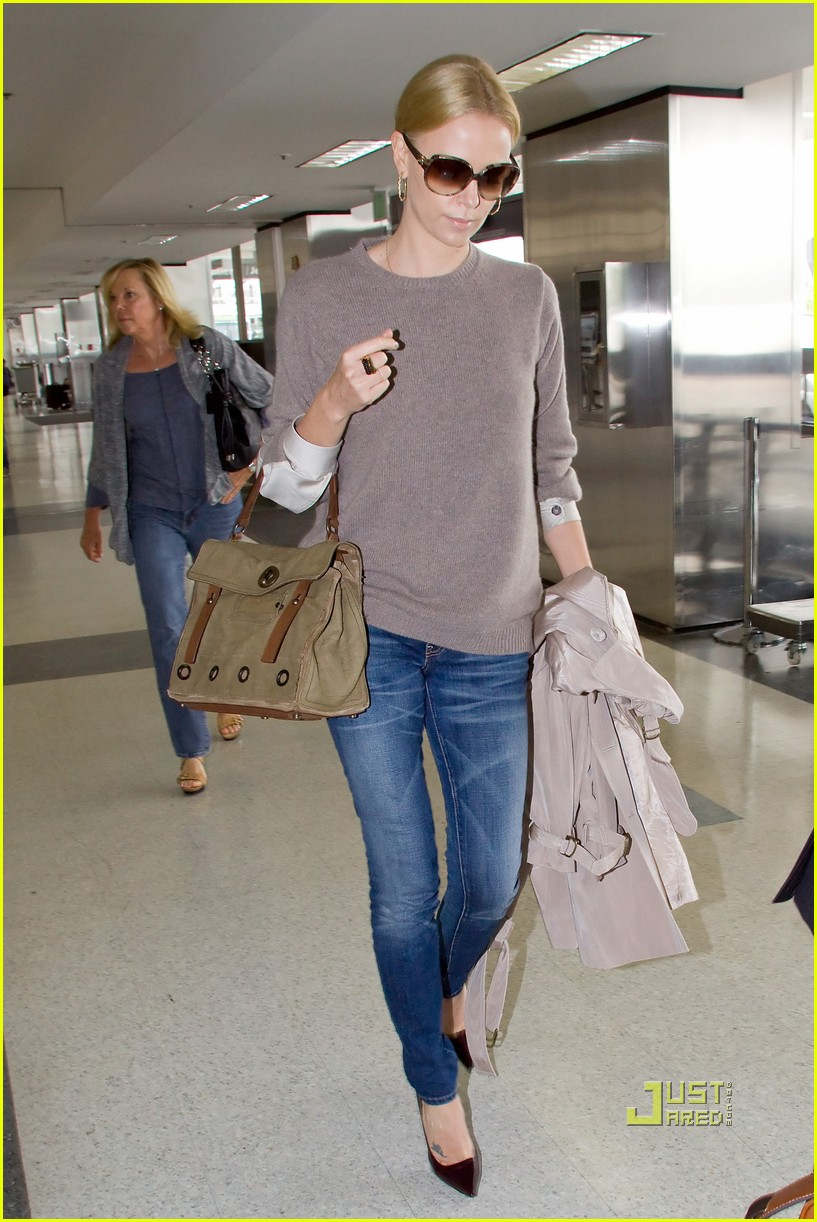 charlize theron lax mom gerda 052478615