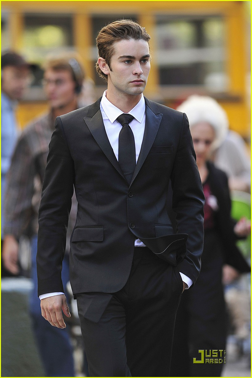 Full Sized Photo of chace crawford penn badgley sport suits 07 | Photo ... Chacecrawford