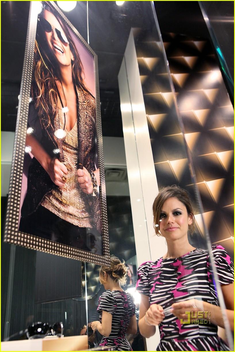 rachel bilson fashion night out 032479041