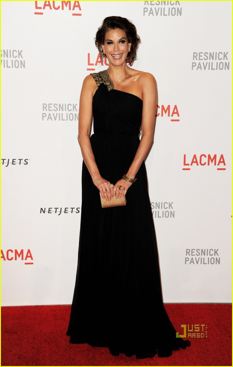 nicole richie teri hatcher lacma unmasking 02