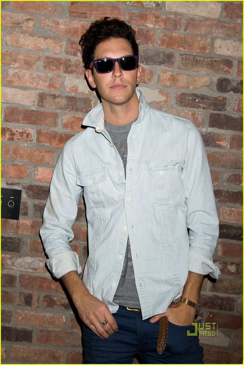gabe saporta mad men 032480491