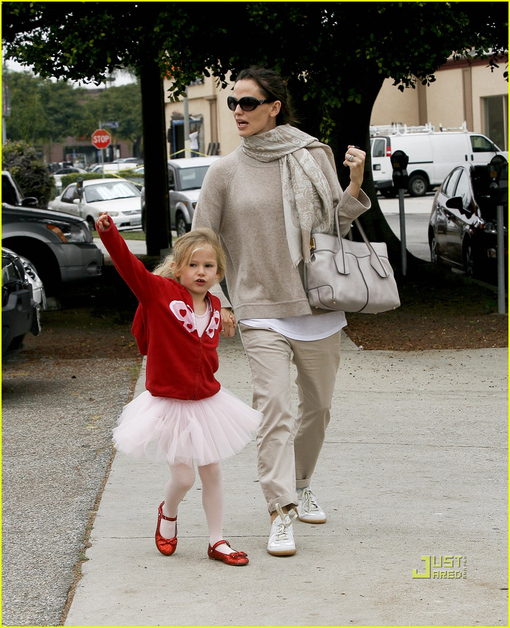 jennifer garner violet affleck ballerina beaming 222481960