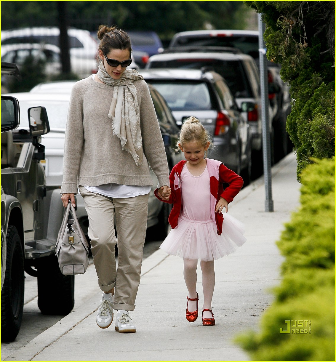 jennifer garner violet affleck ballerina beaming 24
