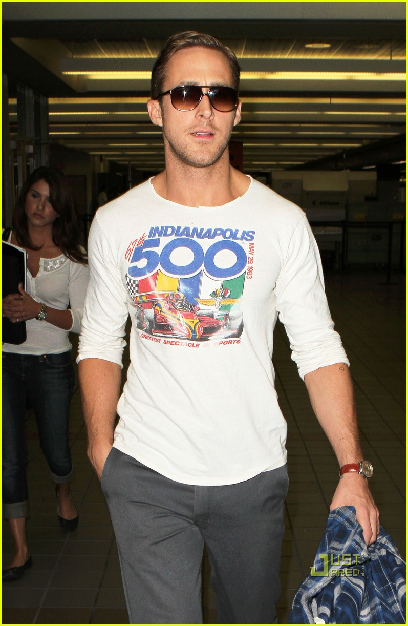 ryan gosling lax airport indy 500 shirt 02
