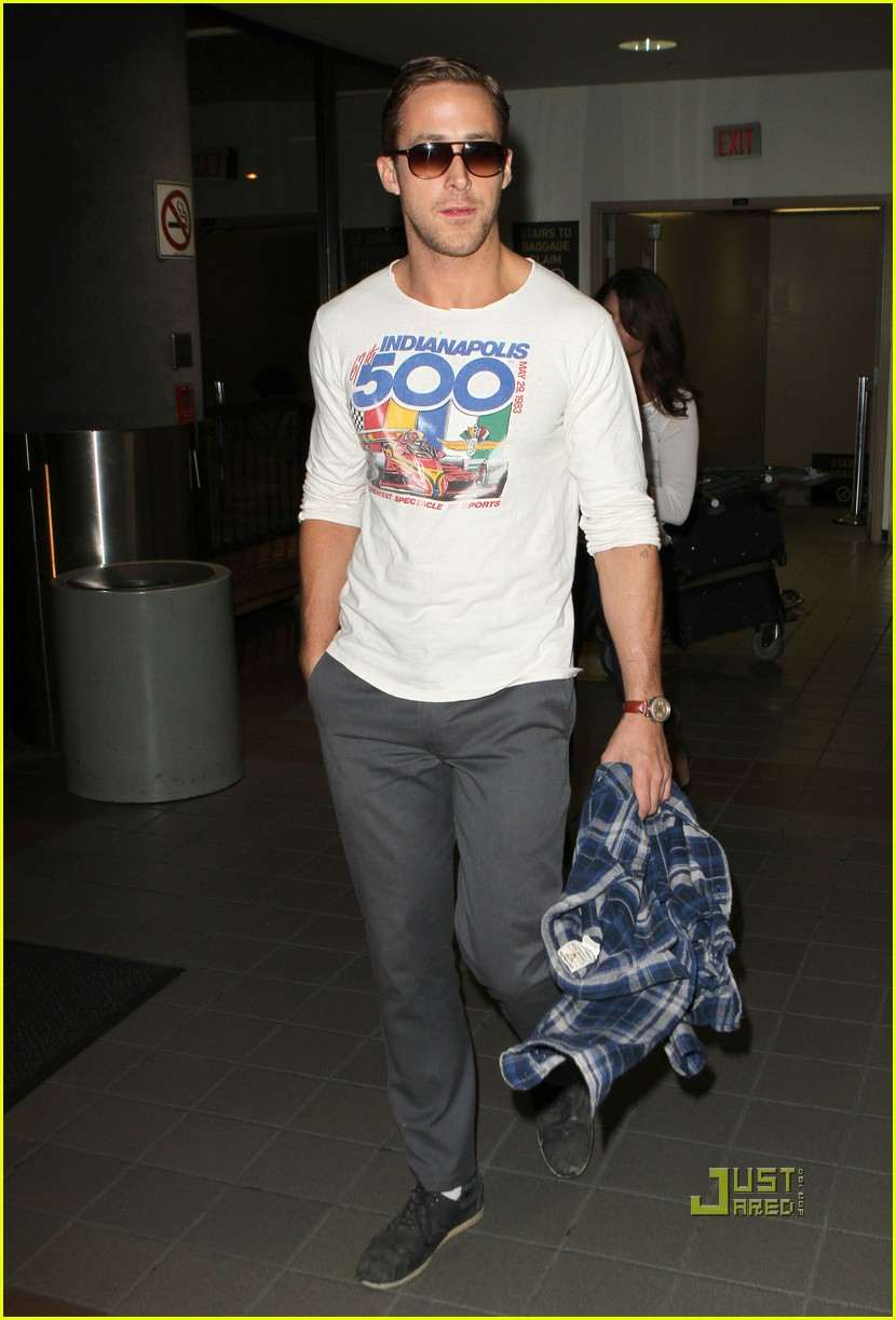 ryan gosling lax airport indy 500 shirt 05