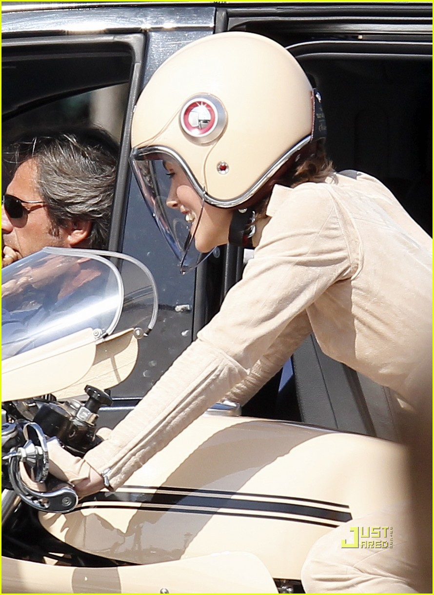 keira knightley motorcycle chanel motorcycle 16
