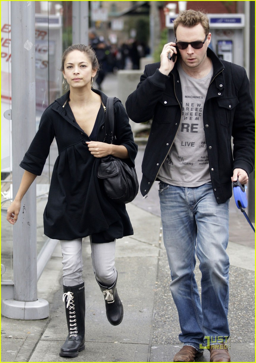 Kristin Kreuk & Mark Hildreth: Canada Couple