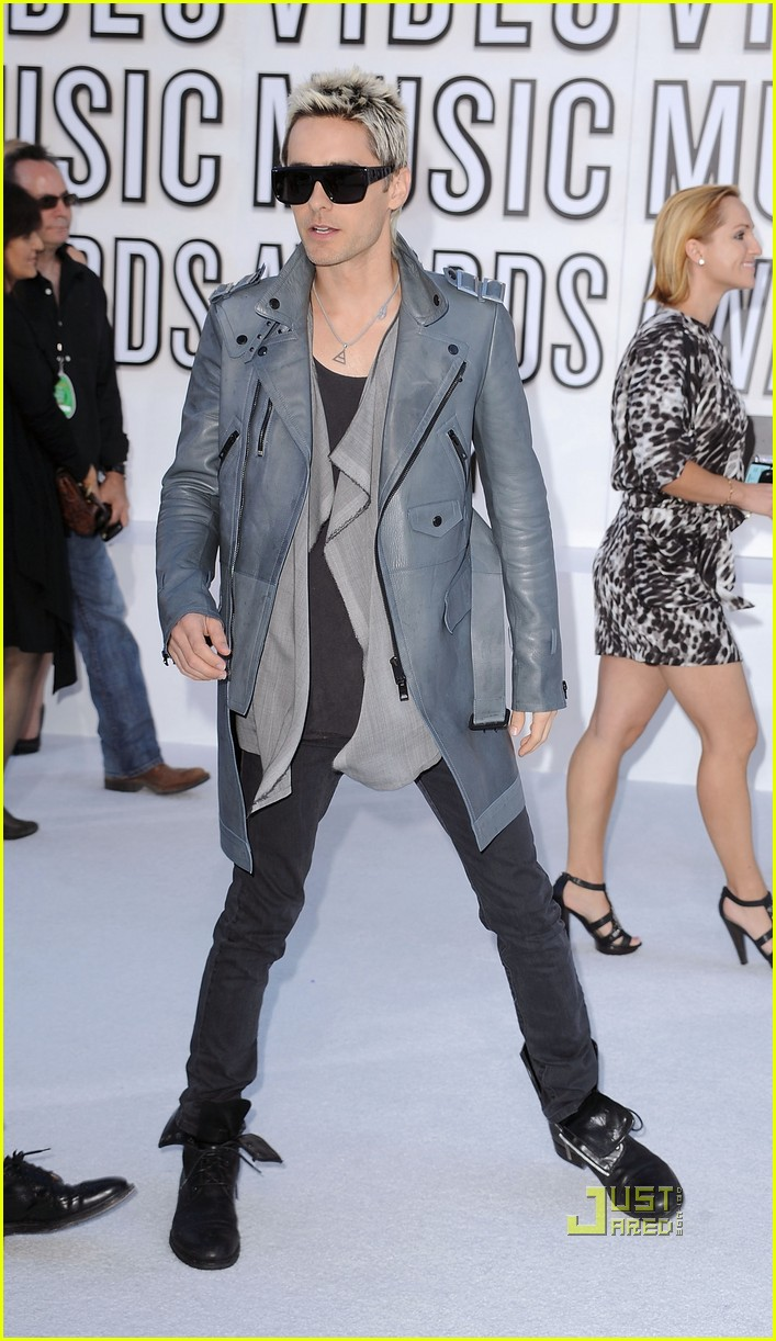jared leto vmas red carpet 2010 04