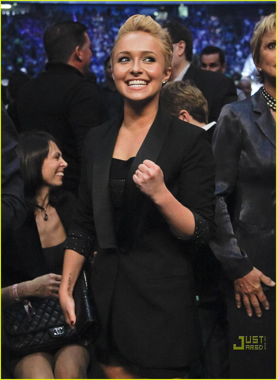 hayden panettiere cheers on boxing boyfriend 072479658