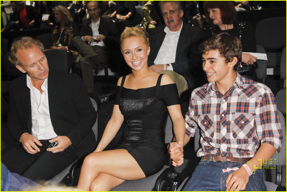 hayden panettiere cheers on boxing boyfriend 162479667