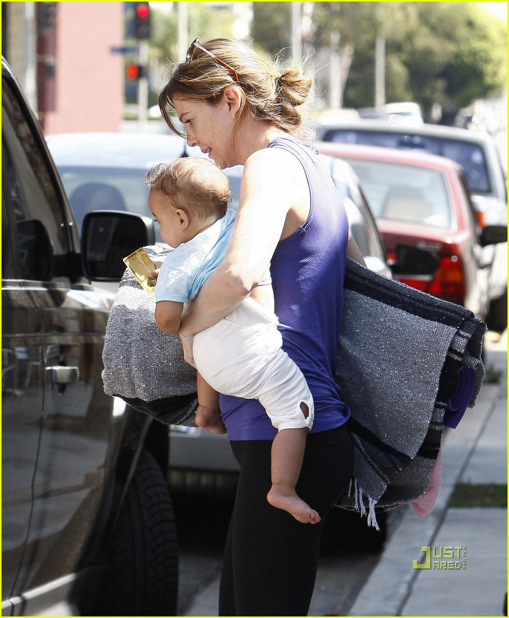 ellen pompeo stella ivery yoga class 16