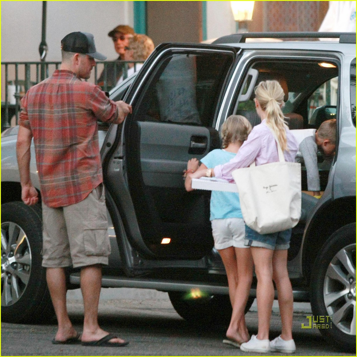 reese witherspoon ojai 09