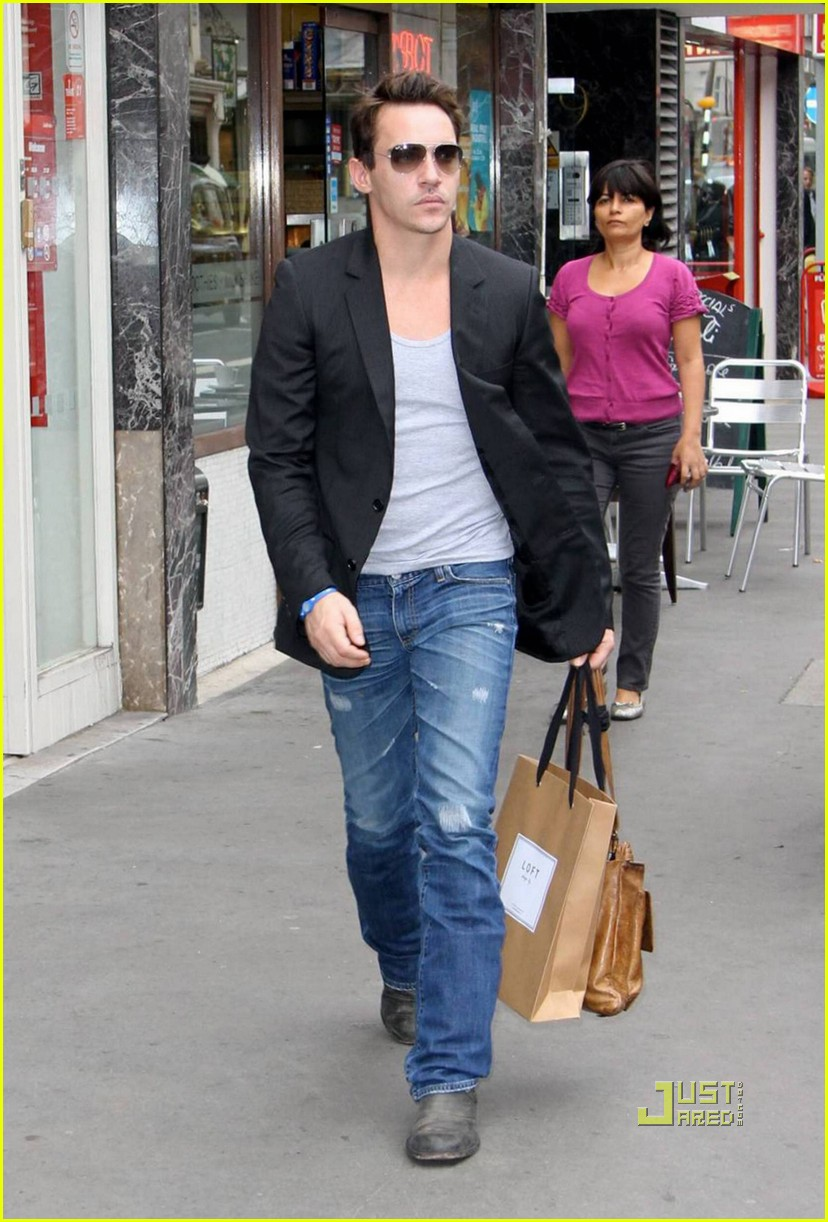 jonathan rhys meyers london shopping spree 012480303