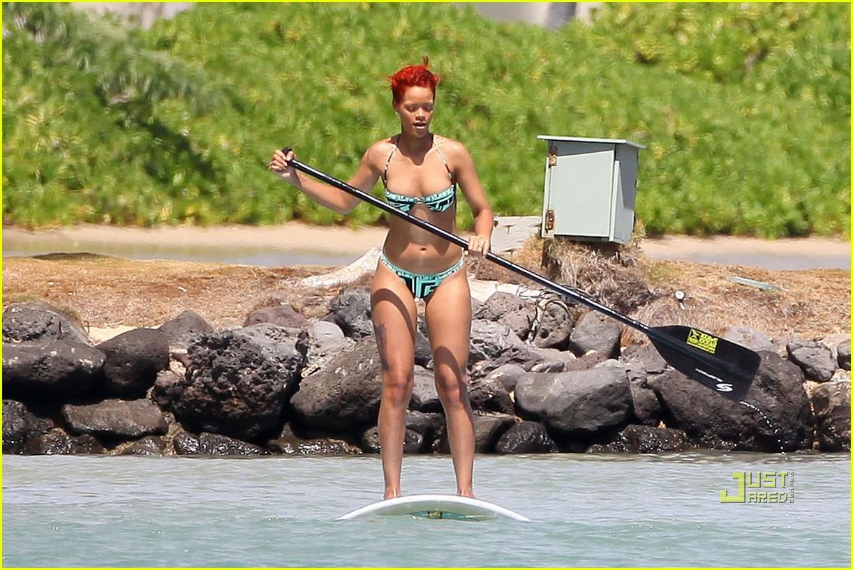 rihanna bikini hawaii 102478030