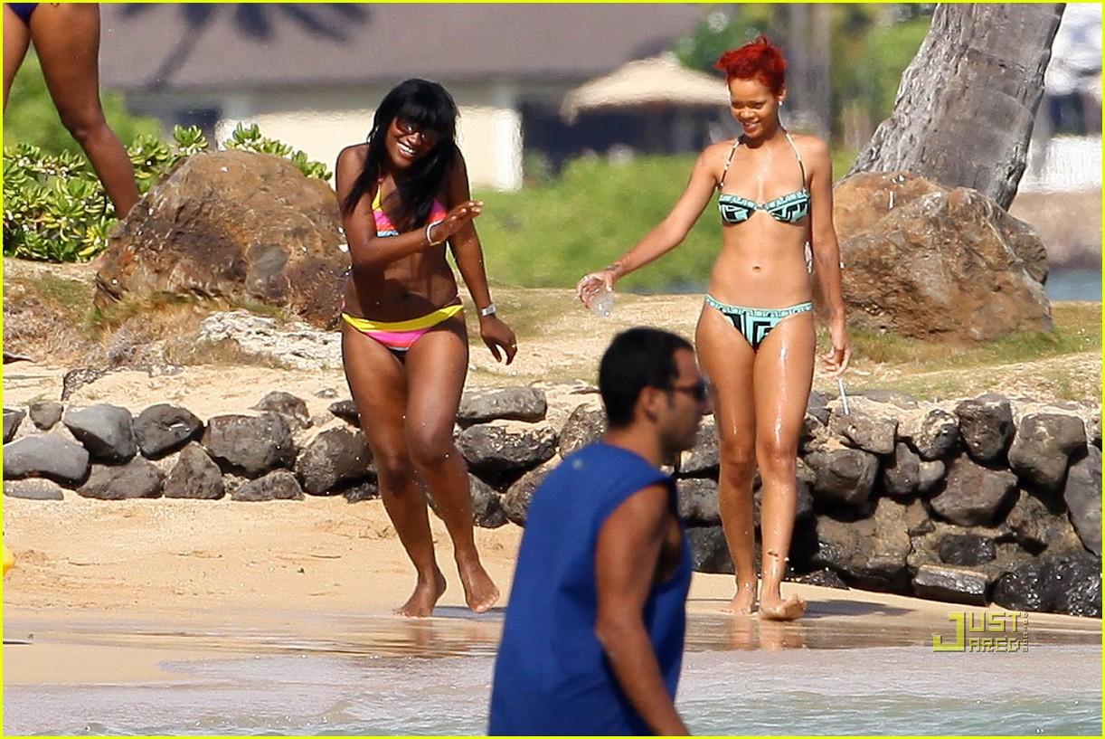 rihanna bikini hawaii 152478035