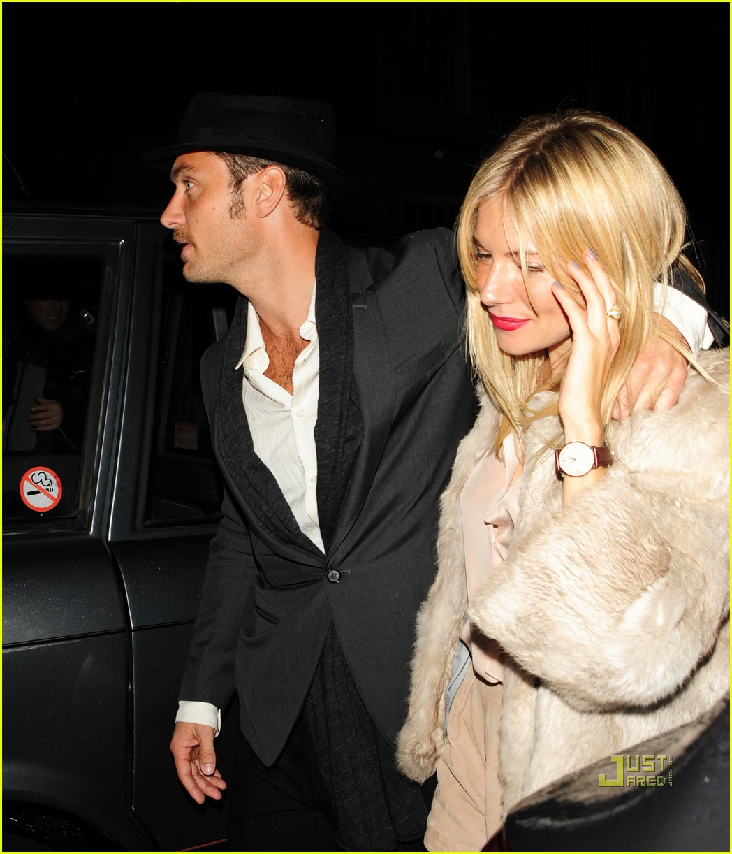 sienna miller c london jude law 012483282