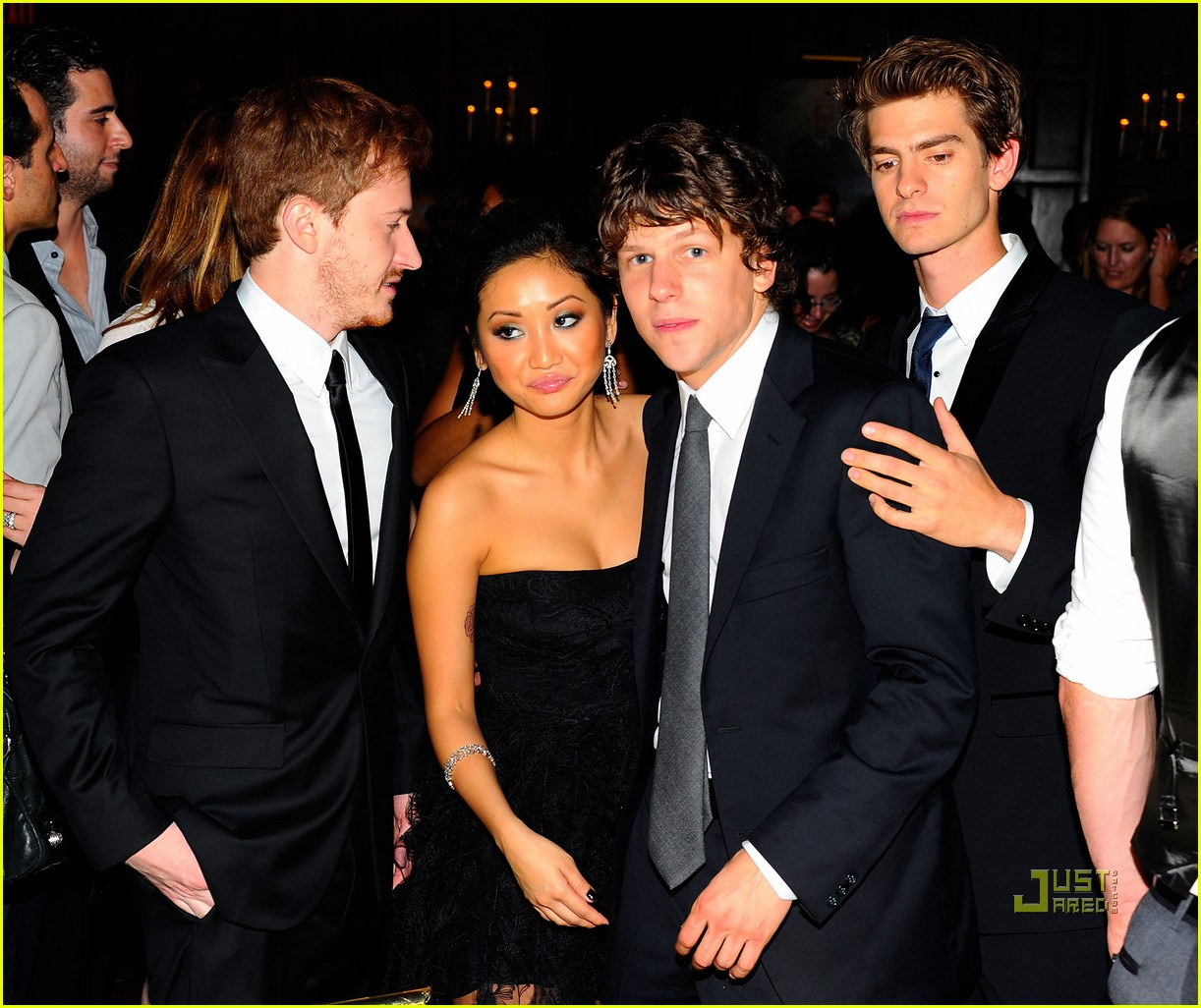 social network premiere 19
