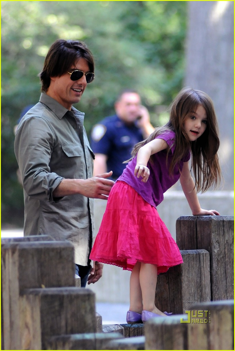 tom cruise suri isabella central park playground 082478211