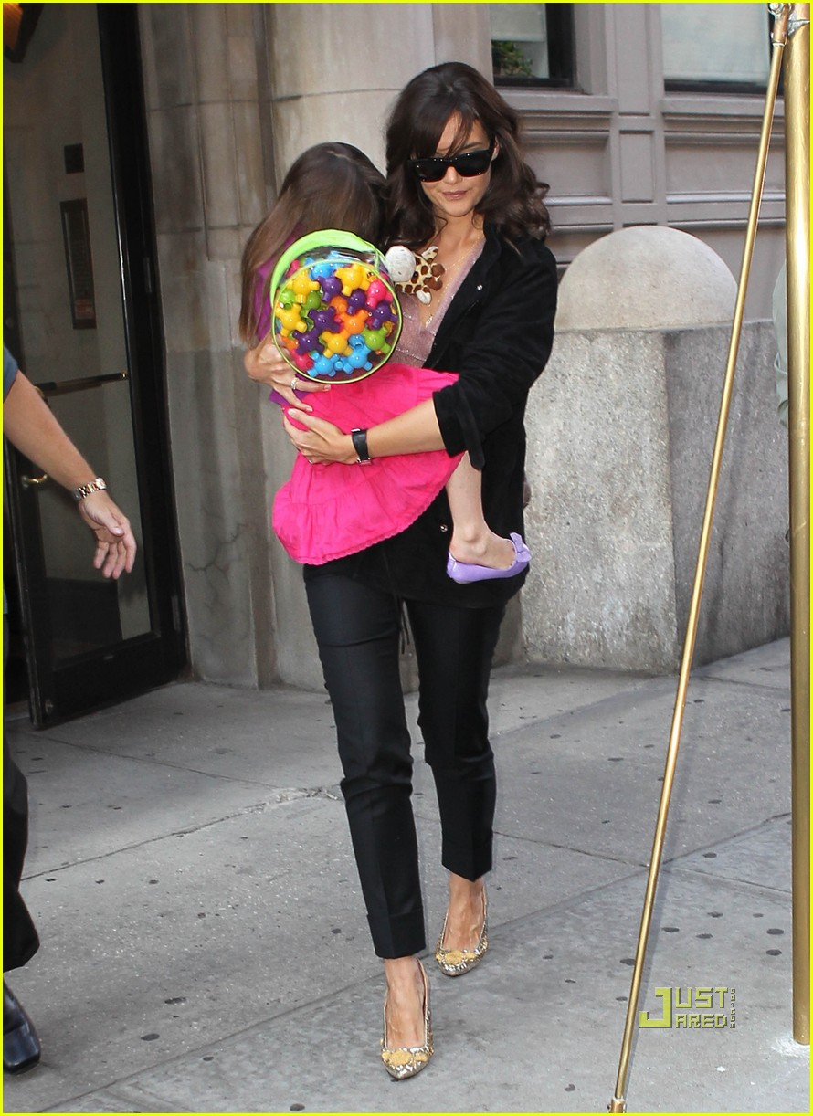 katie holmes suri great taste 10