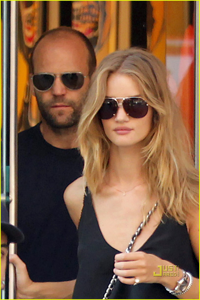 jason statham rosie huntington whiteley hail a cab 02