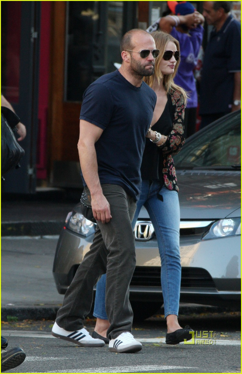 jason statham rosie huntington whiteley hail a cab 04