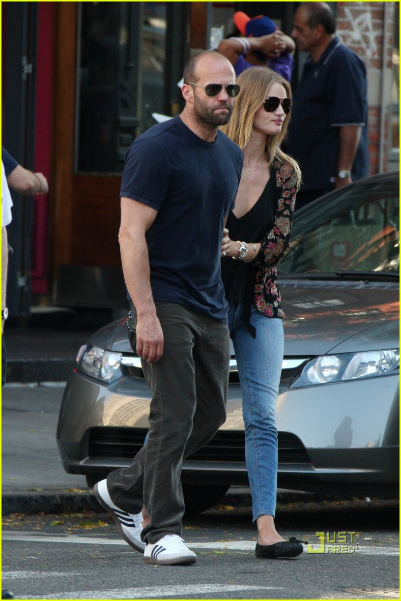 jason statham rosie huntington whiteley hail a cab 07