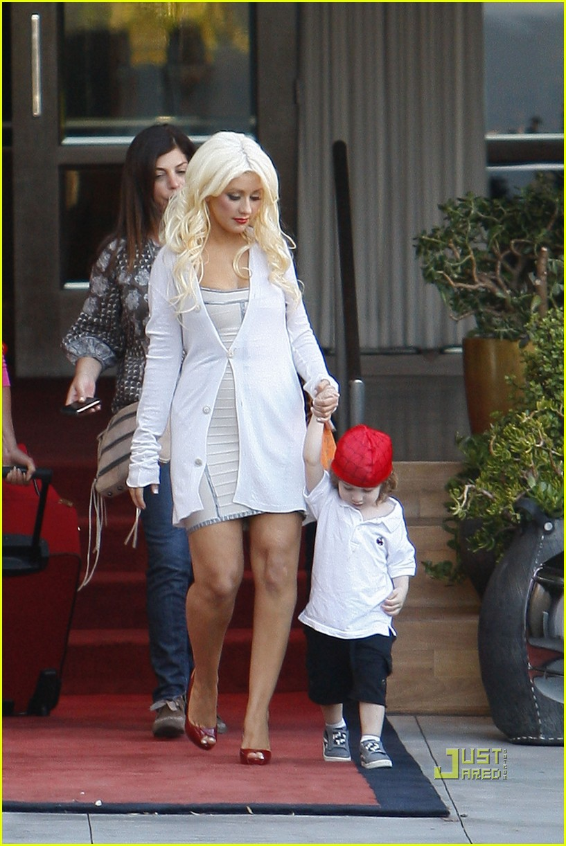 christina aguilera sls move out with max 042490607