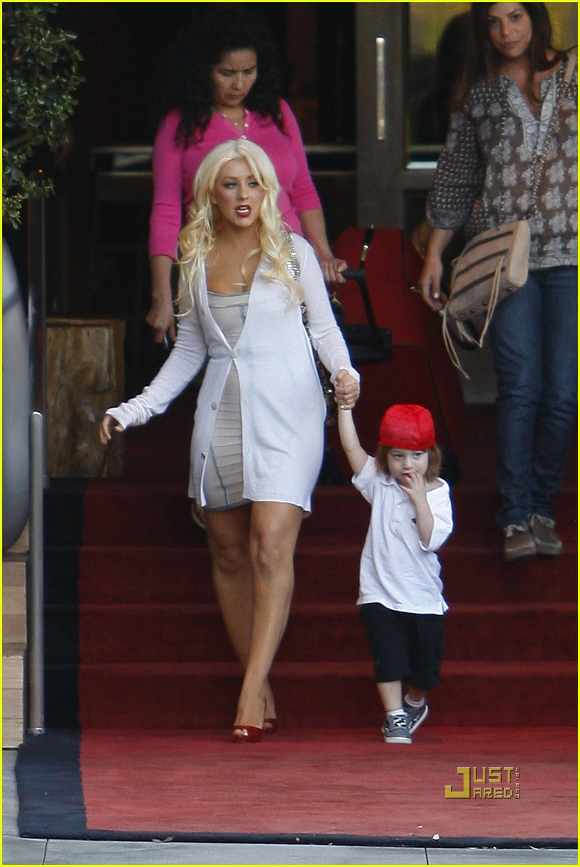 christina aguilera sls move out with max 12