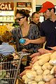 jessica alba cash warren family food shoppers 13