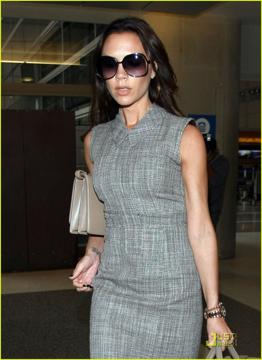 victoria beckham leaves for london 022484784