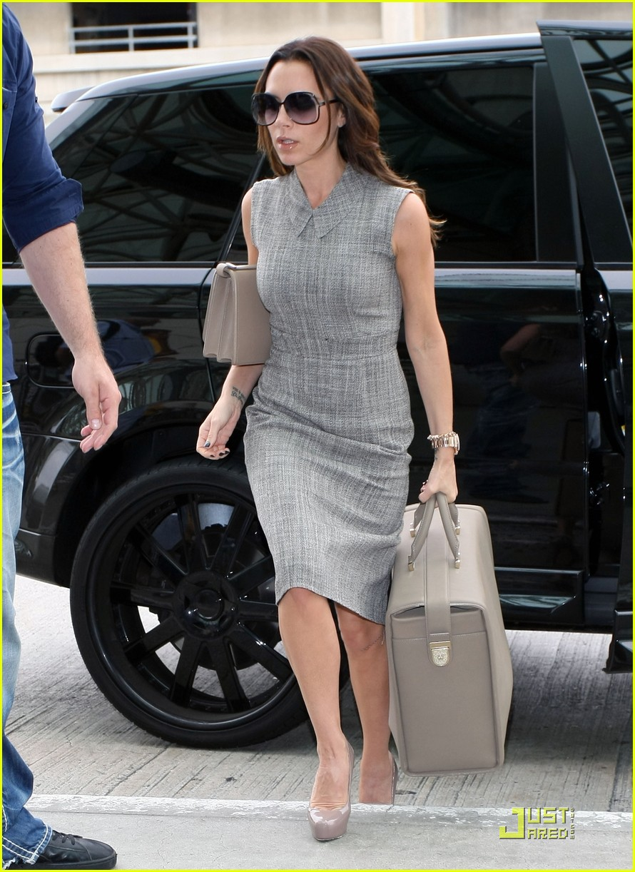 victoria beckham leaves for london 052484787