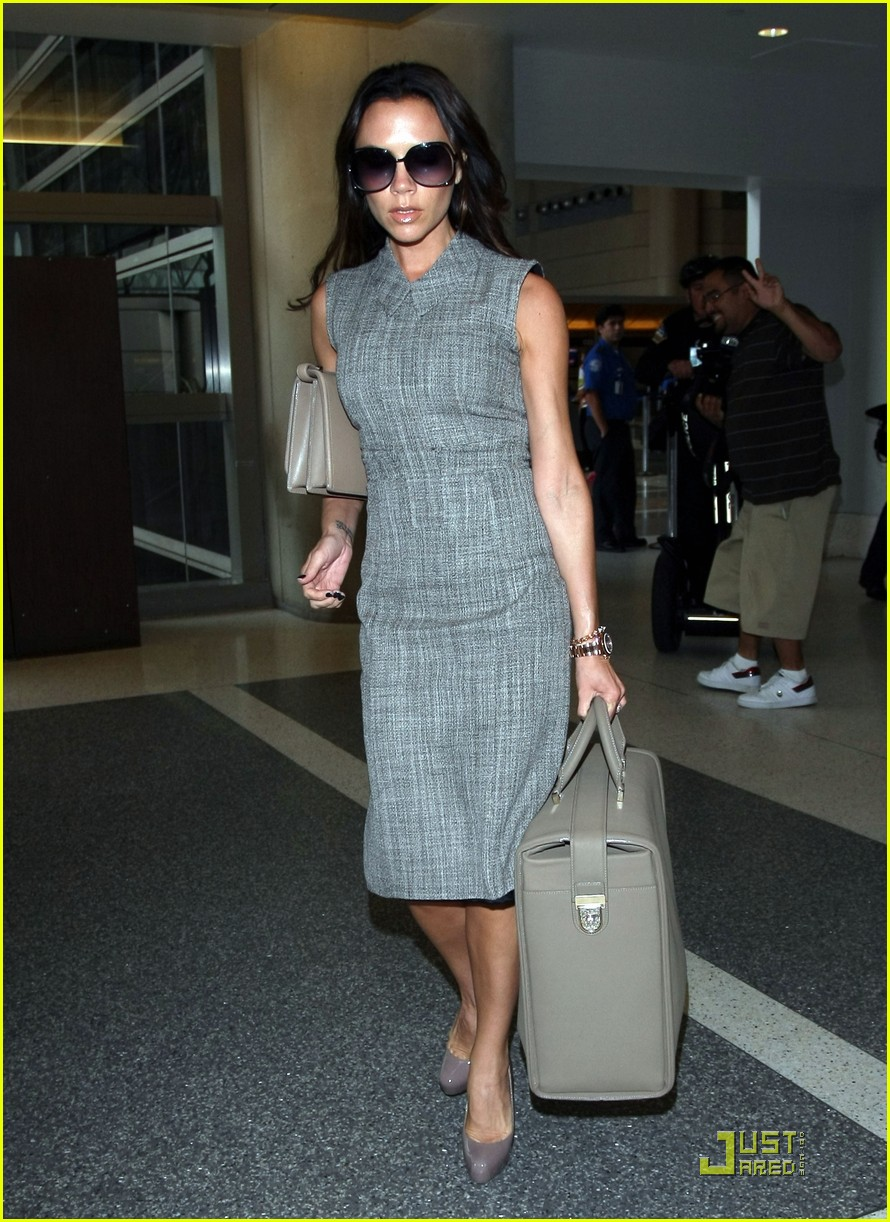 victoria beckham leaves for london 072484789