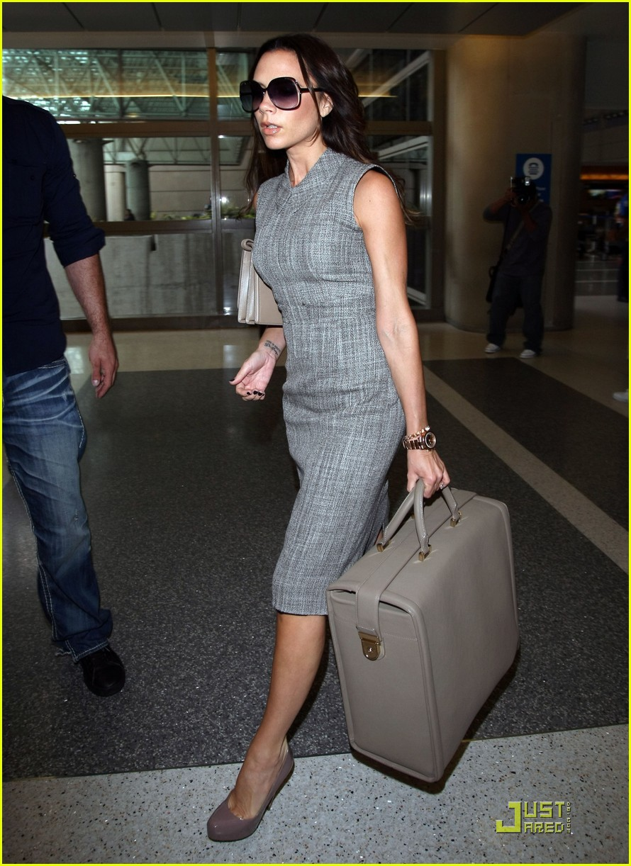 victoria beckham leaves for london 082484790