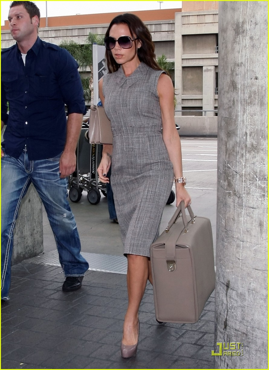 victoria beckham leaves for london 092484791