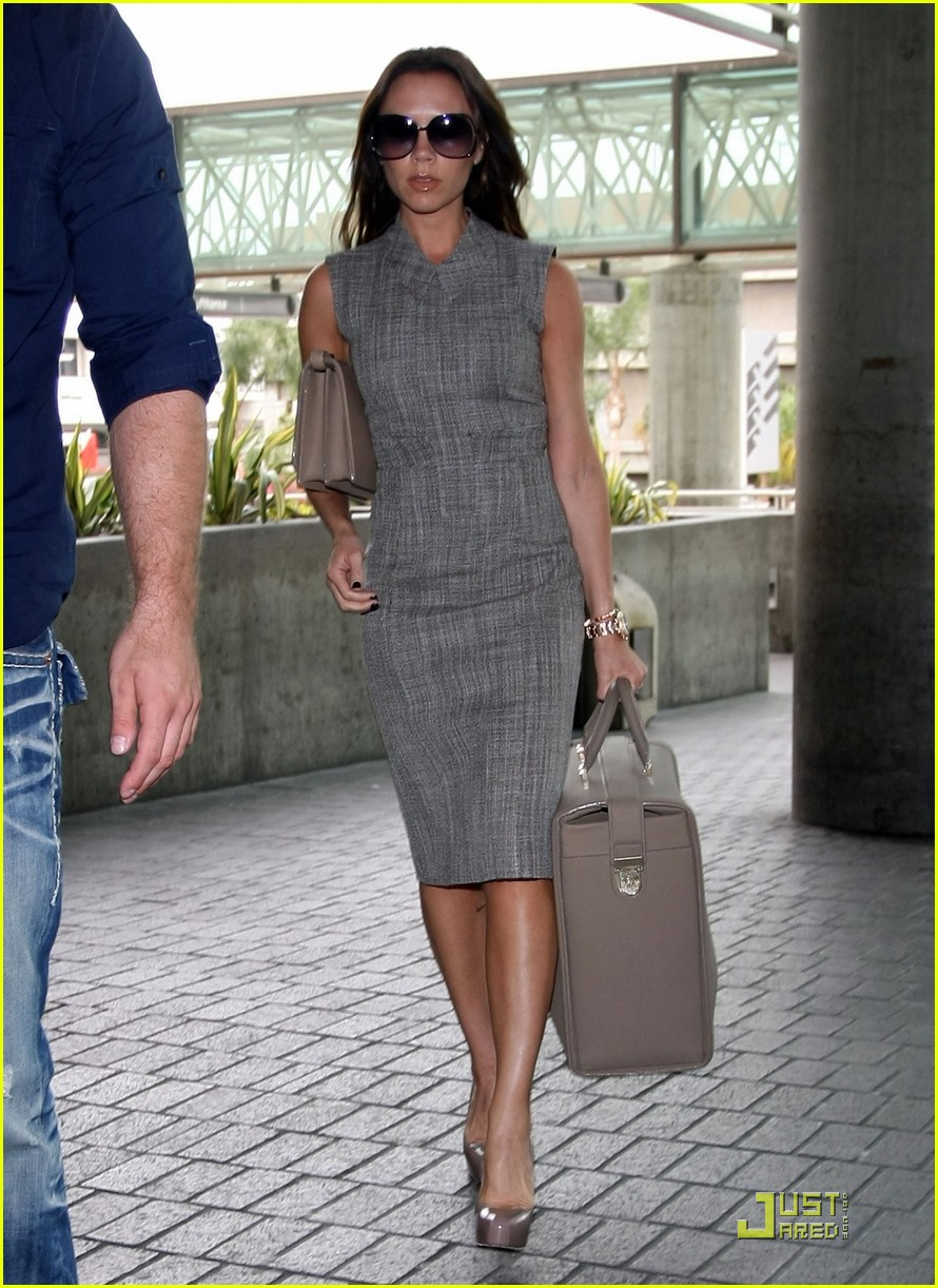 victoria beckham leaves for london 112484793